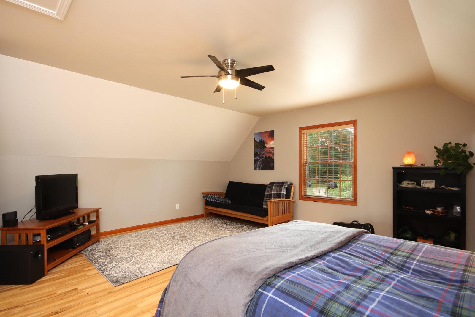 Darwin 2nd Master Bedroom